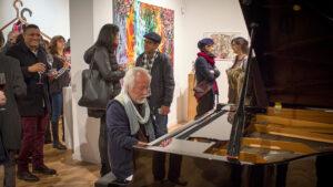 Kohichi al piano en begemot