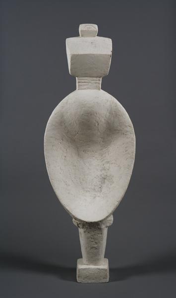 Mujer cuchara ( Femme cuillère ), 1927 Yeso 146,5 x 51,6 x 21,5 cm Fondation Giacometti, París © Succession Alberto Giacometti ,VEGAP, Bilbao, 2018